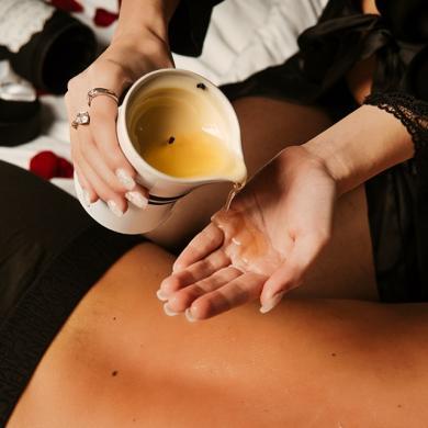 Świece do masażu erotycznego – idealne do sypialni!