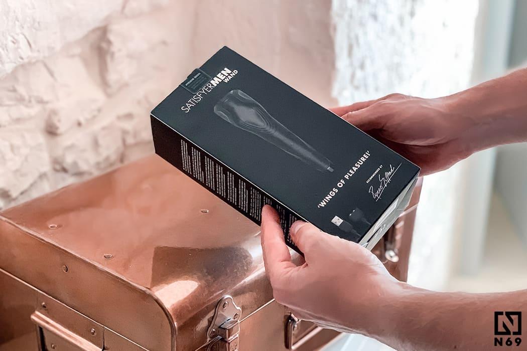 Satisfyer-men-wand-wibrator-dla-mezczyzny-pudełko